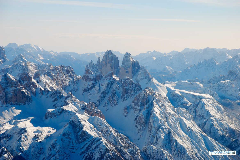 Die majestätischen Drei Zinnen, das Wahrzeichen der Dolomiten