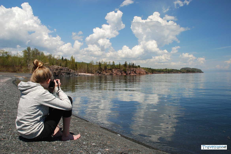Fotografieren am Ufer des Oberen Sees