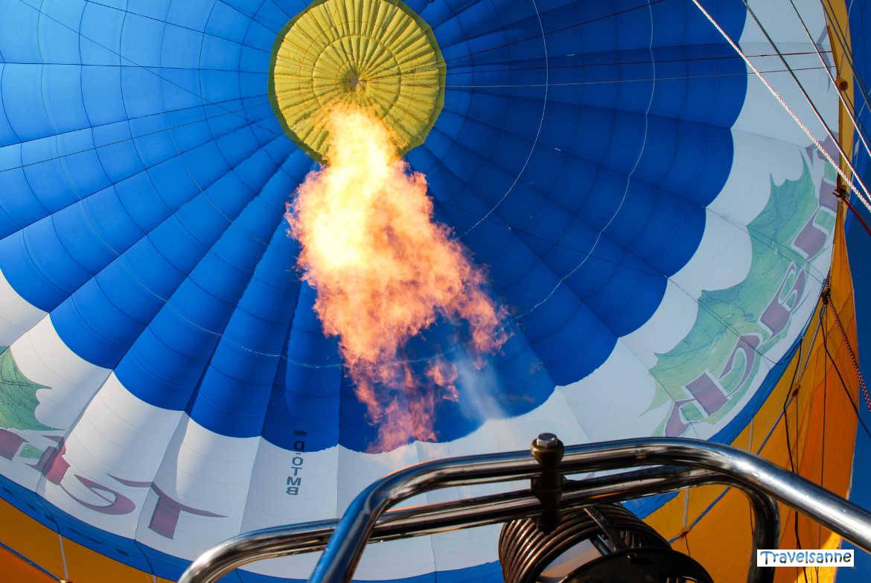 Blick ins Innere eines Heißluftballons