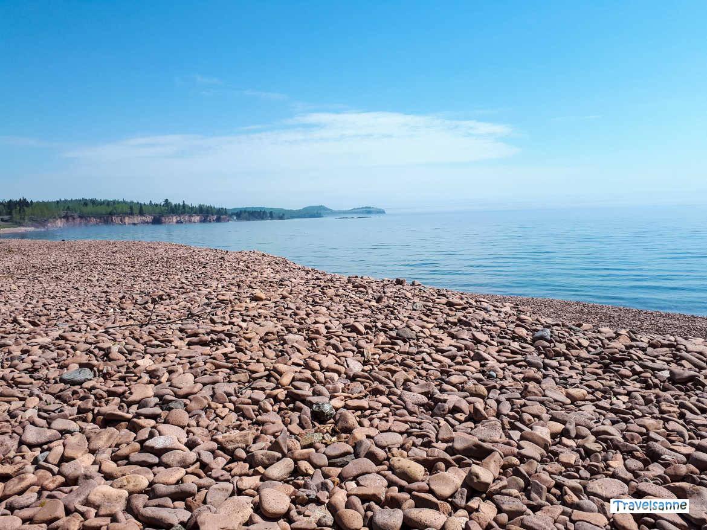 Naturwunder Ionas Beach - ein rosafarbener Strand am Lake Superior