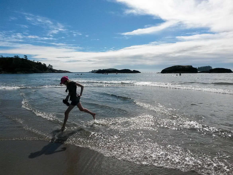 Strandspaziergang am MacKenzie Beach auf Vancouver Island, Westkanada