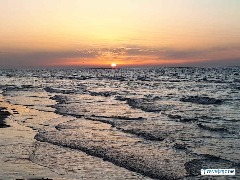 Blogparade Zeeland: Atemberaubender Sonnenuntergang an der holländischen Nordseeküste