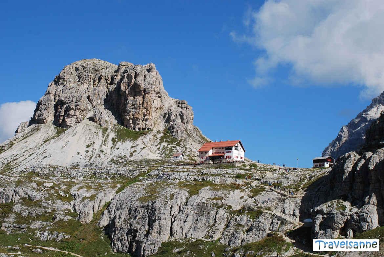 Die Dreizinnenhütte im Naturpark Drei Zinnen