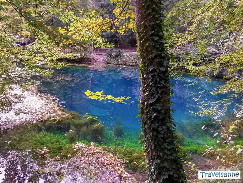 Herbststimmung am sagenumwobenen Blautopf in Blaubeuren