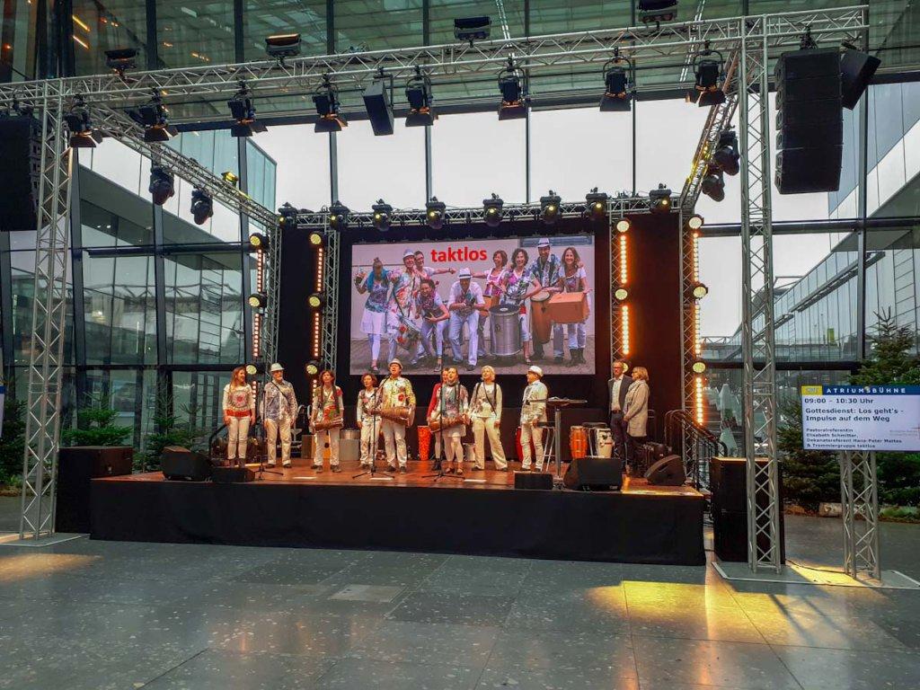 Buntes Showprogramm auf der CMT 2019 - Die Urlaubs-Messe