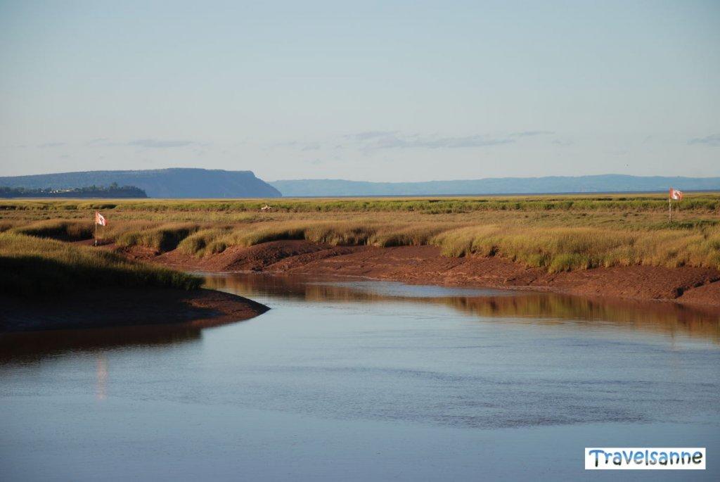 Die Flut kehrt zurück nach Wolfeville an der Bay of Fundy