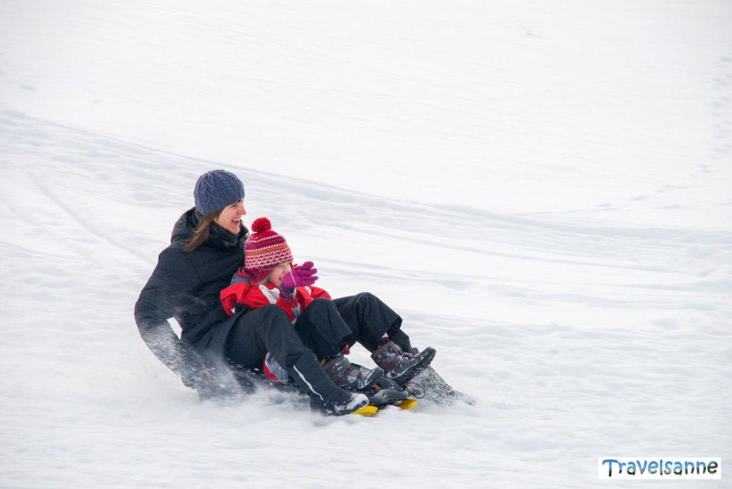 Winterspaß für die ganze Familie auf dem Schlittenhang