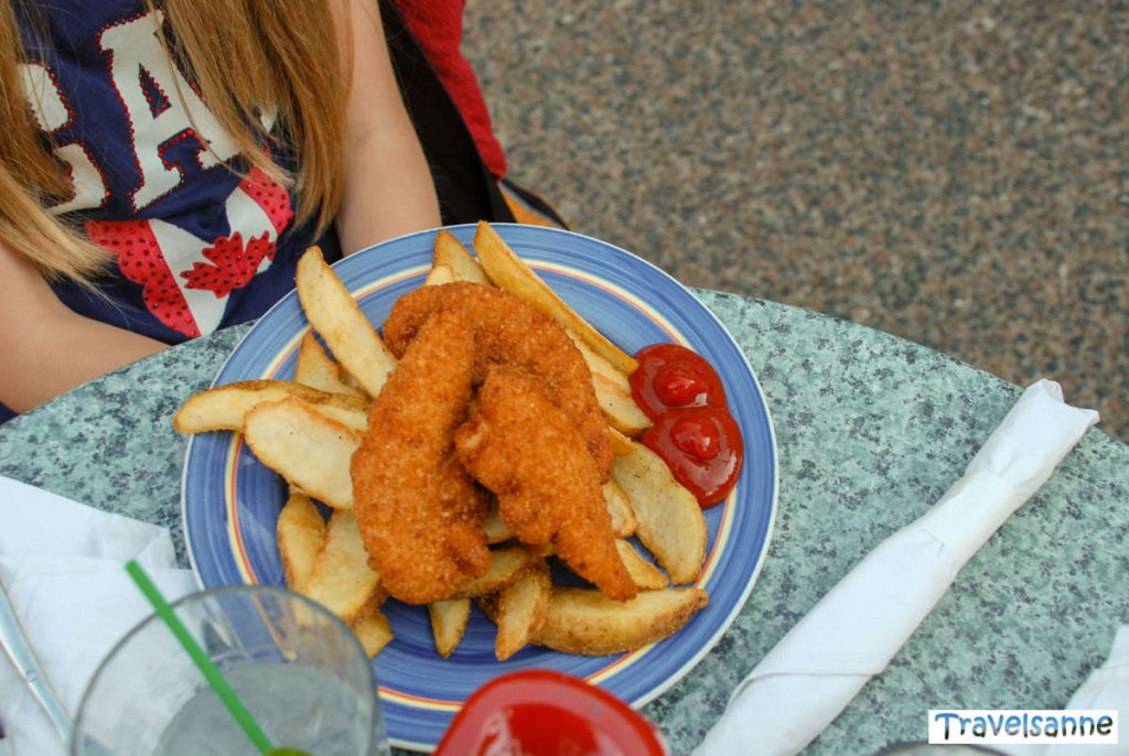 Lecker Fish & Chips an der Harbourfront von Halifax