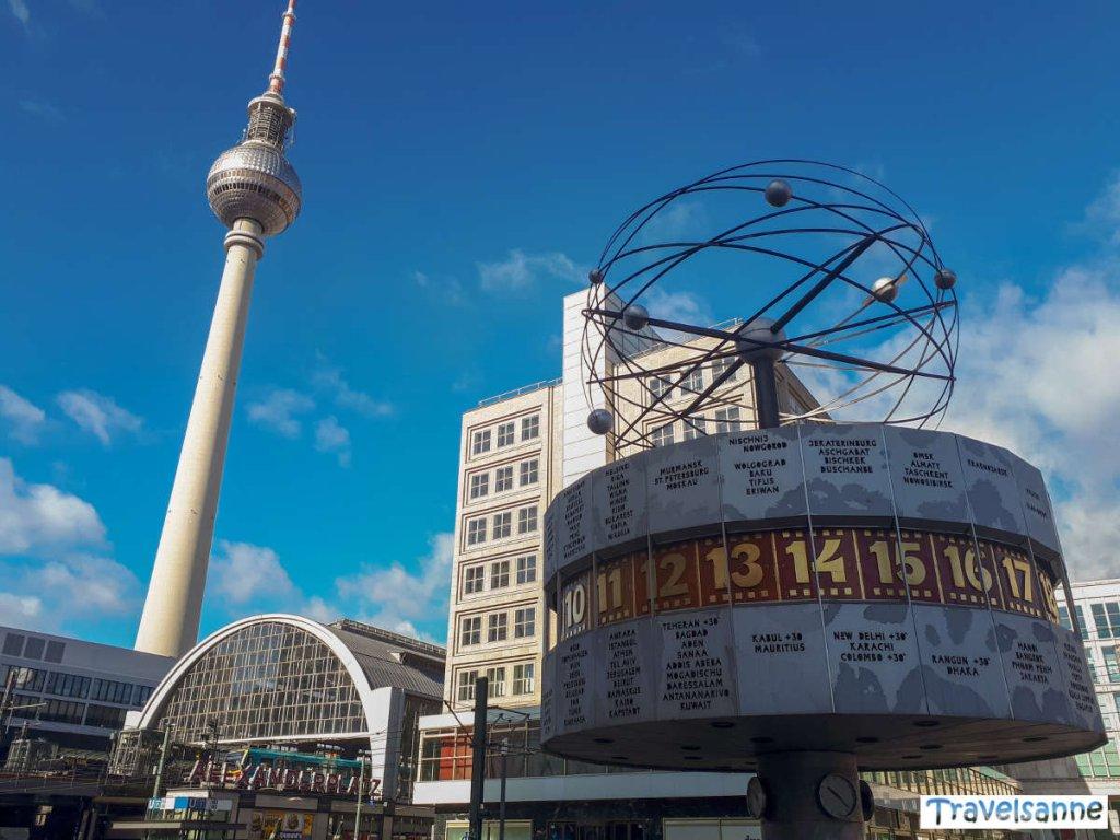 Alexanderplatz mit Weltzeituhr und Fernsehturm