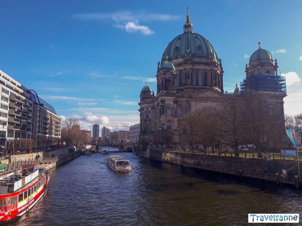 Berlin Sightseeing vom Wasser aus