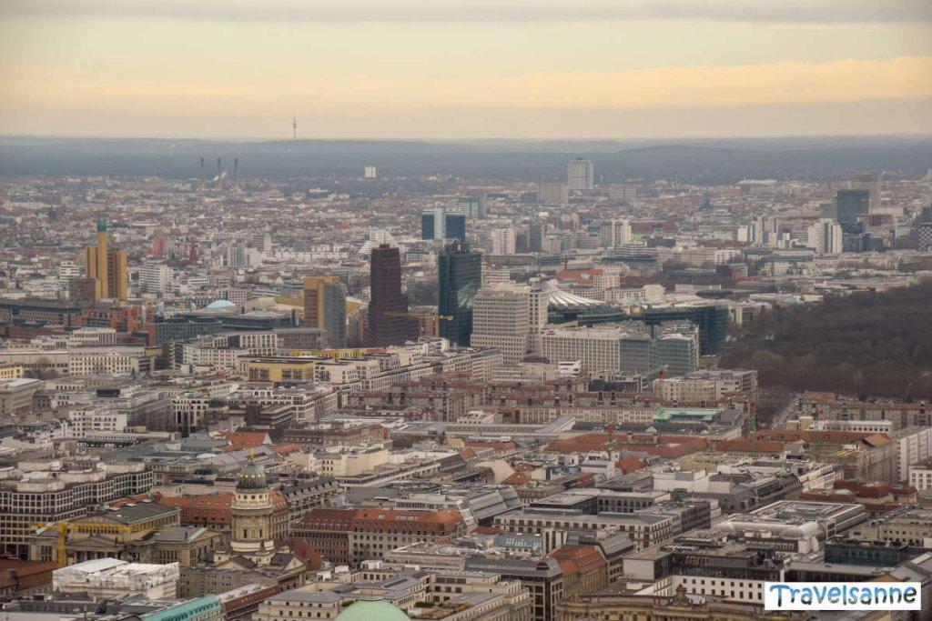 Blick über das Häusermeer von Berlin vom Fernsehturm aus