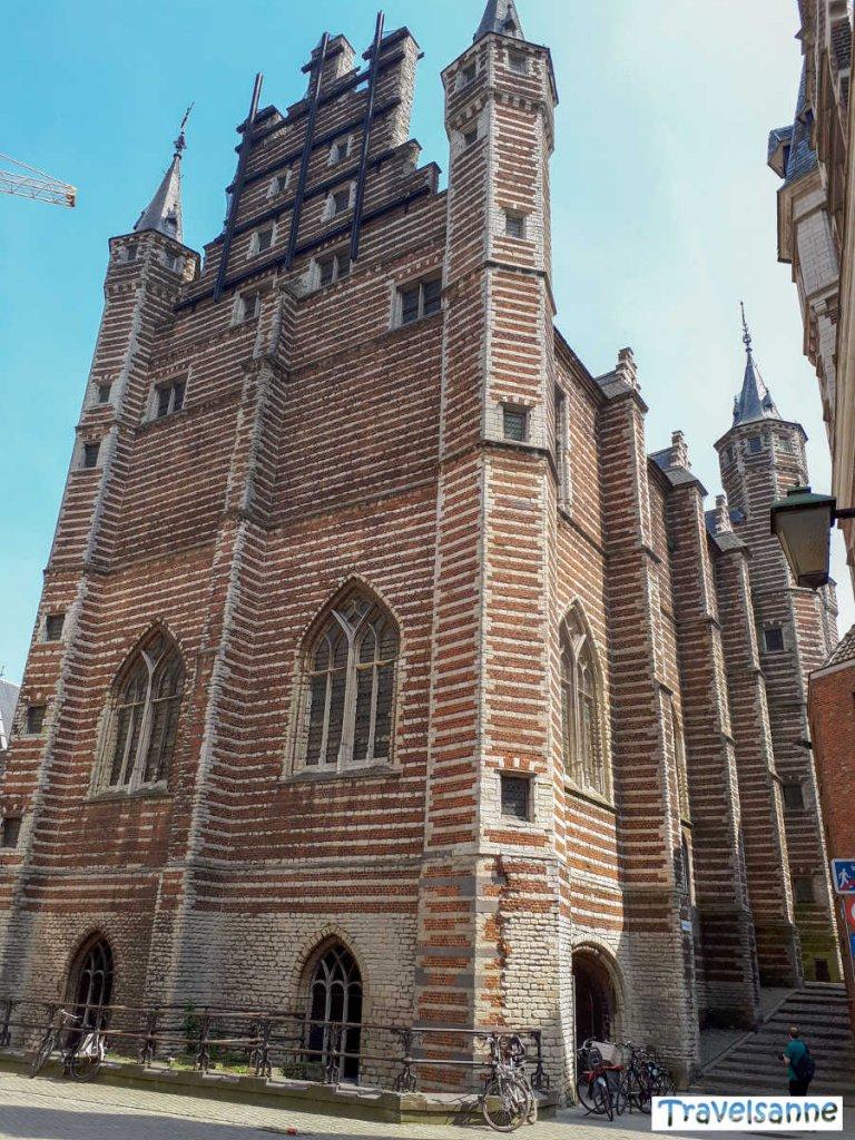 Das spätgotische Vleeshuis in Antwerpens Altstadt