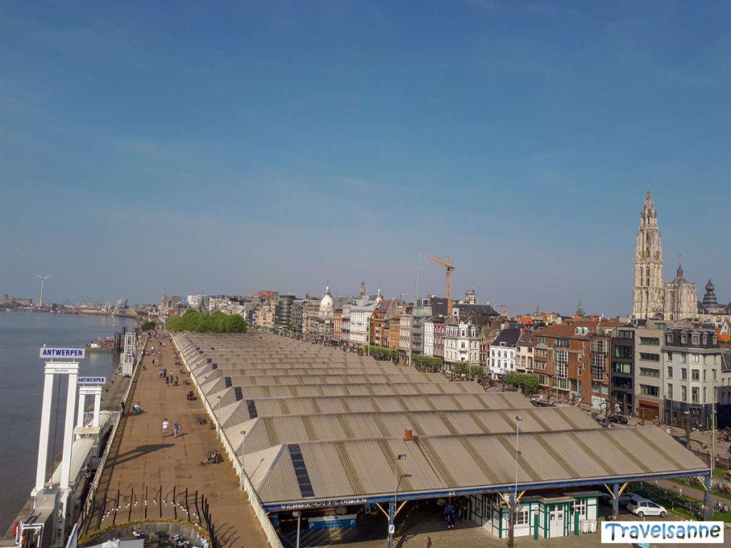 Blick vom RAS auf die Schelde und Antwerpens Altstadt