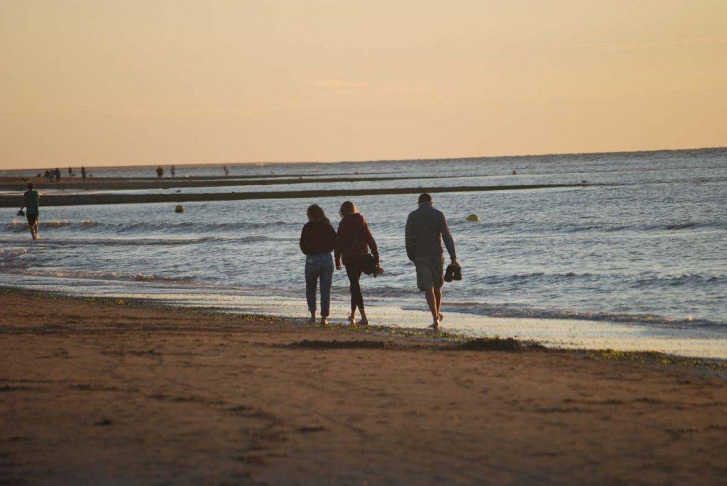 … und heute als Teenager wieder gemeinsam am Strand von Renesse
