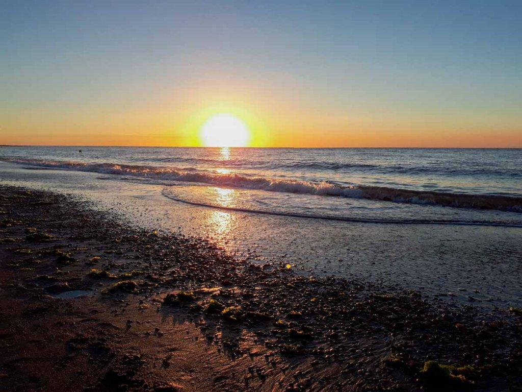 Abend für Abend traumschöne Sonnenuntergänge am Strand von Renesse