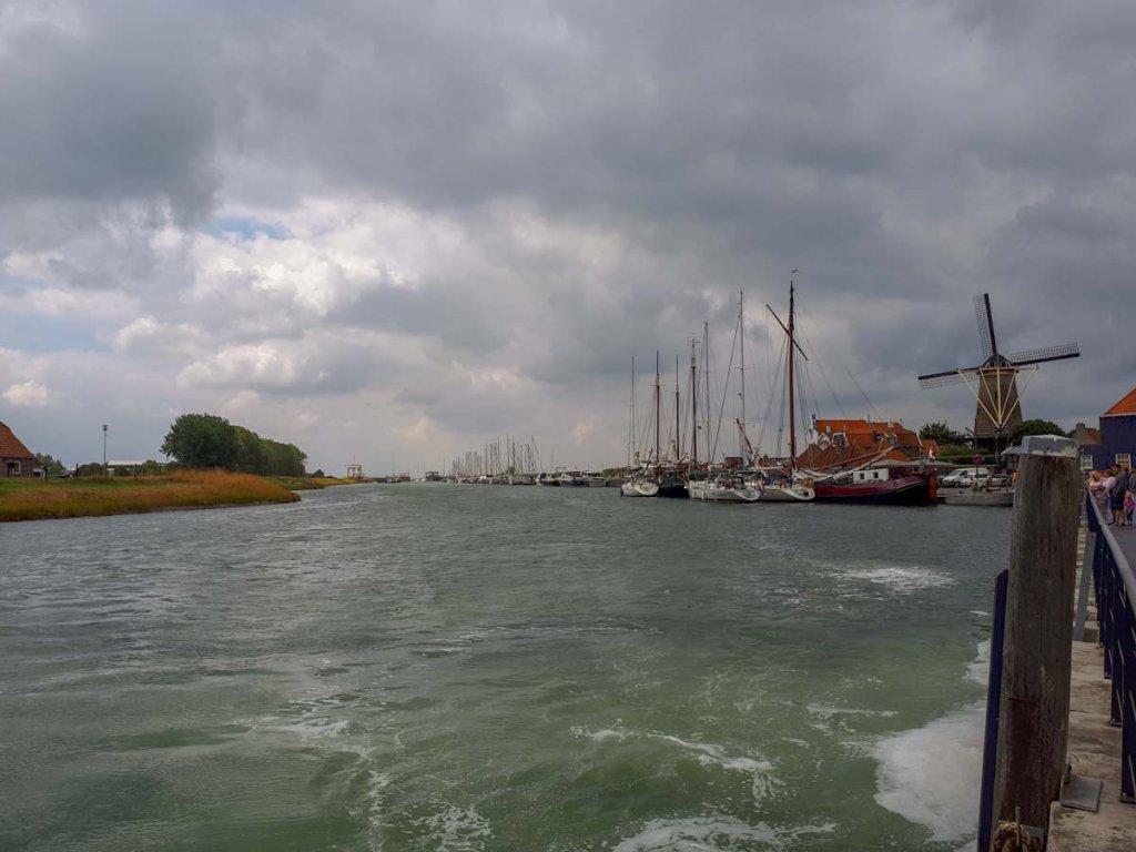 Die Hafeneinfahrt von Zierikzee wie aus einem Gemälde der alten niederländischen Meister