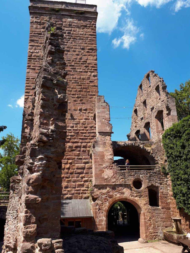 Der Bergfried von Burg Zavelstein