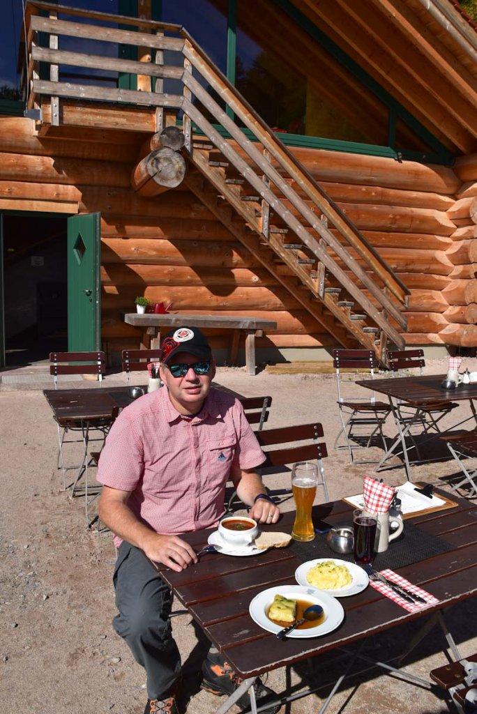 Leckeres Mittagessen auf der Schlossberghütte