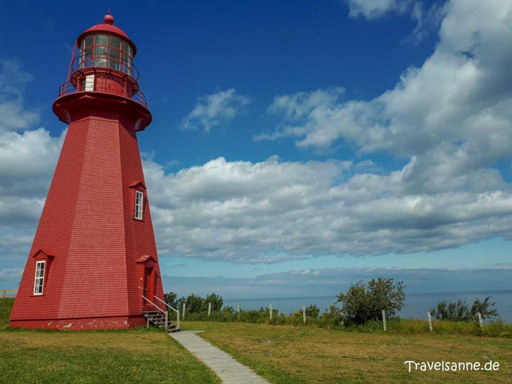Der hölzerne Leuchtturm von La Martre auf der Gaspésie-Halbinsel in Québec