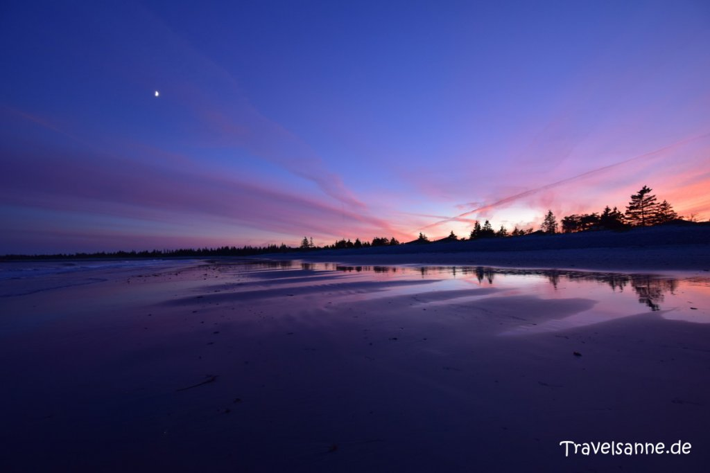 Traumhaftes Farbenspiel beim Sonnenuntergang am White Point Beach