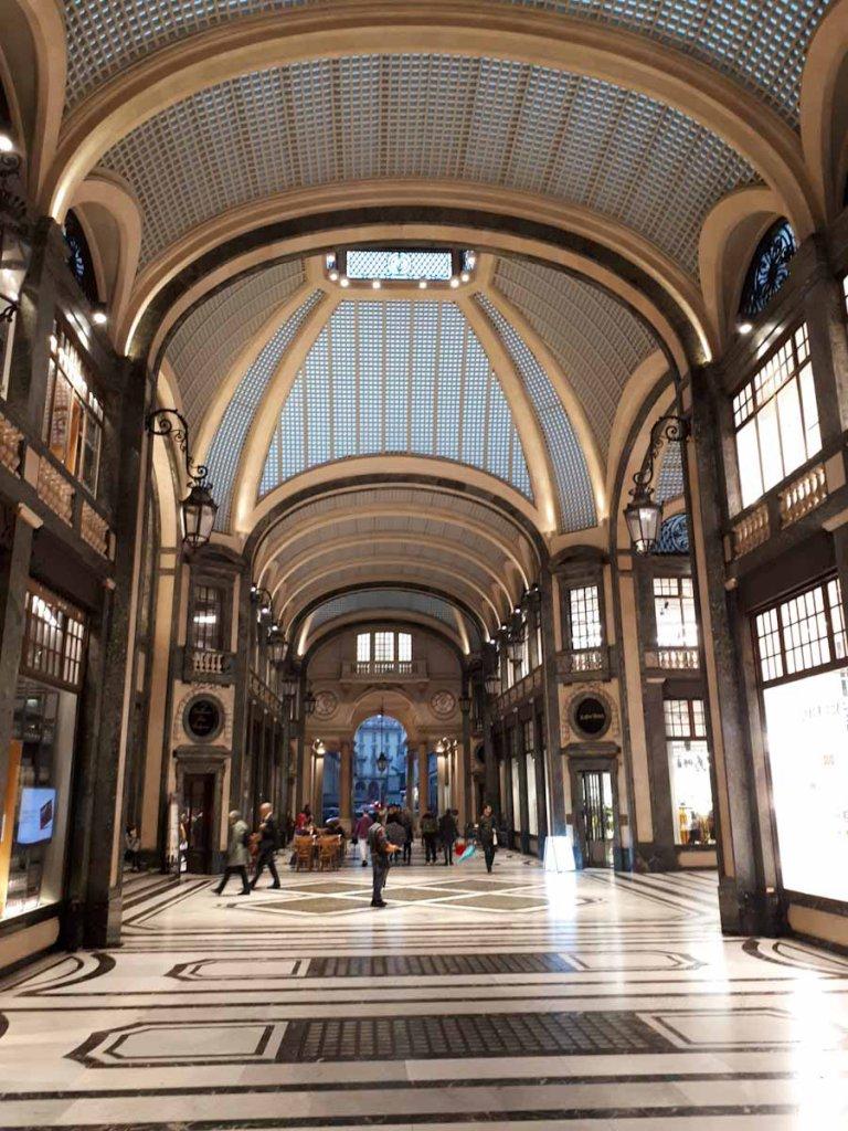 Architektonische Sehenswürdigkeit Turins: Die Galleria San Federico