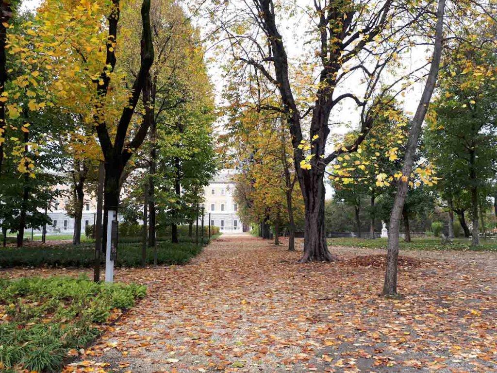 Herbststimmung in den Königlichen Gärten Turins