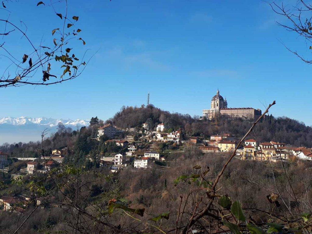 Die Basilica Superga thront auf den Hügeln außerhalb Turins