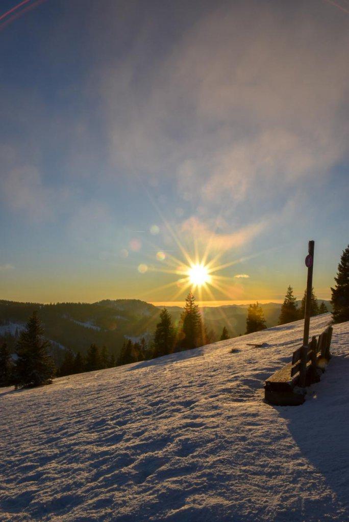 Märchenhaft schöne Ausblicke vom Feldberg bei Sonnenuntergang