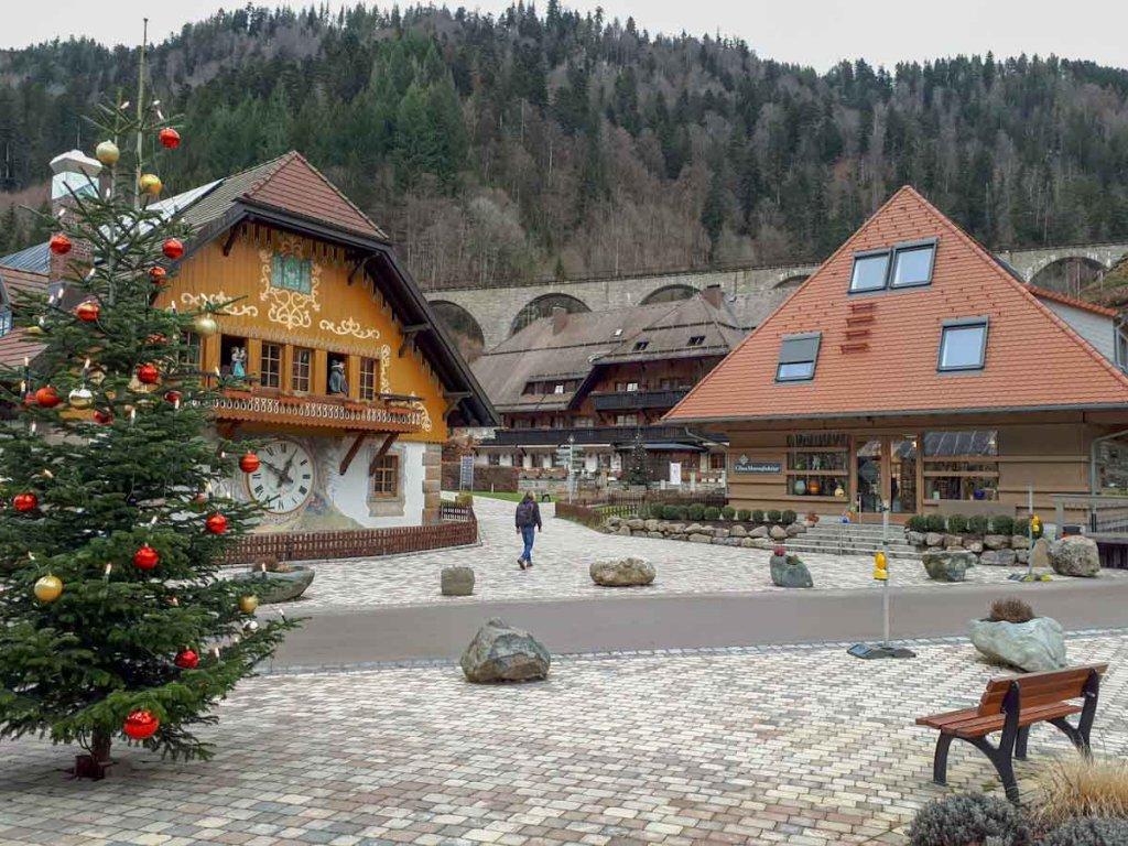 Das Hofgut Sternen im Schwarzwälder Höllental noch im weihnachtlichen Schmuck