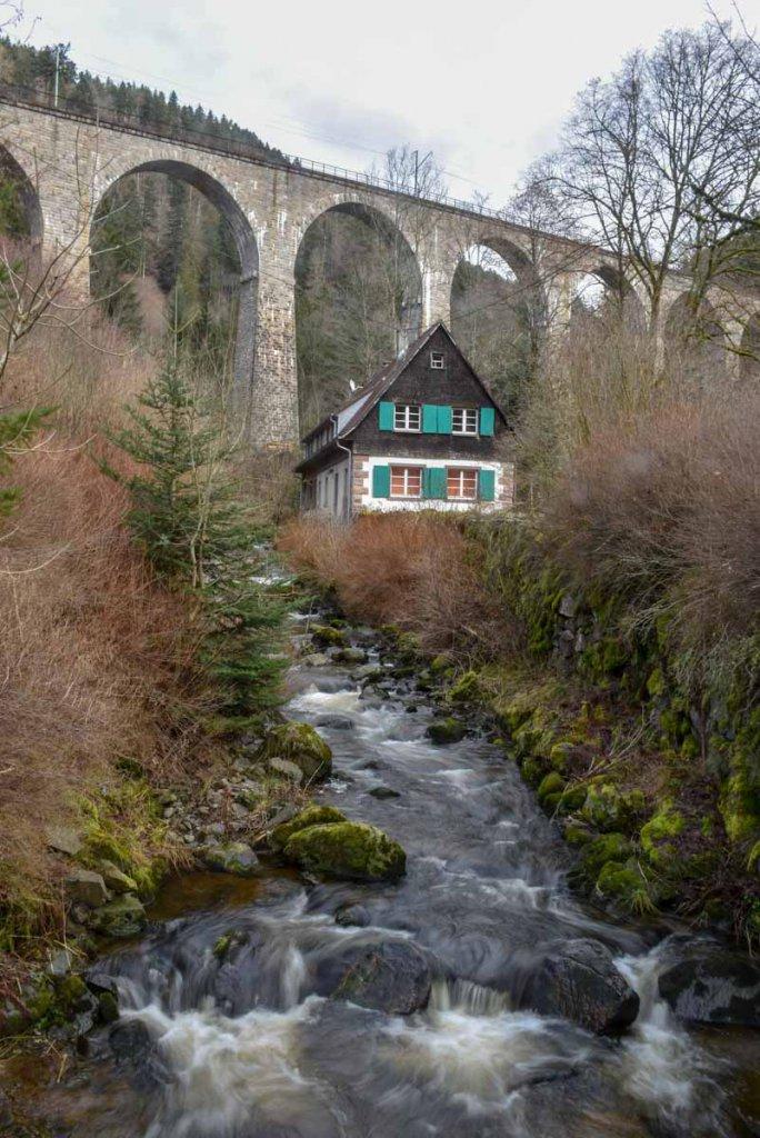 Das Viadukt der Höllentalbahn ist eines der meistfotografierten Ausflugsziele im Schwarzwald