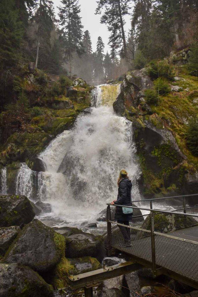 Beliebtes Ausflugsziel im Schwarzwald auch im Winter: die tosenden Triberger Wasserfälle