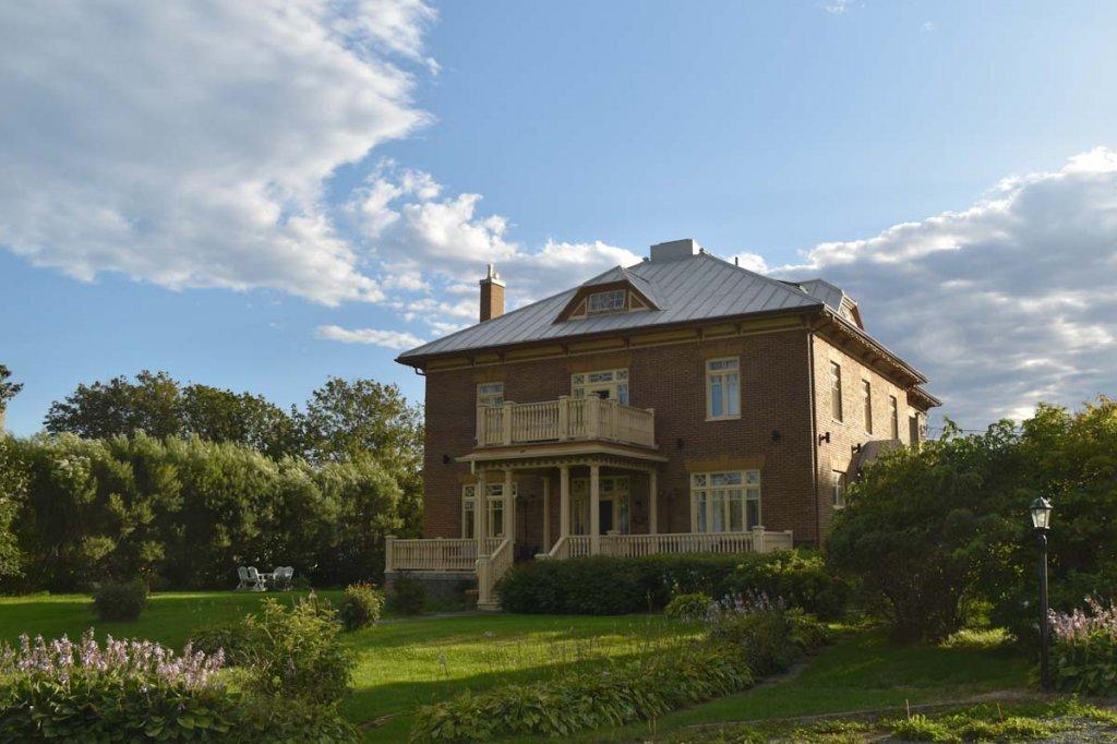 Übernachtungstipp für die Ostkanada Reise: Die historische Auberge La Seigneurie in Matane