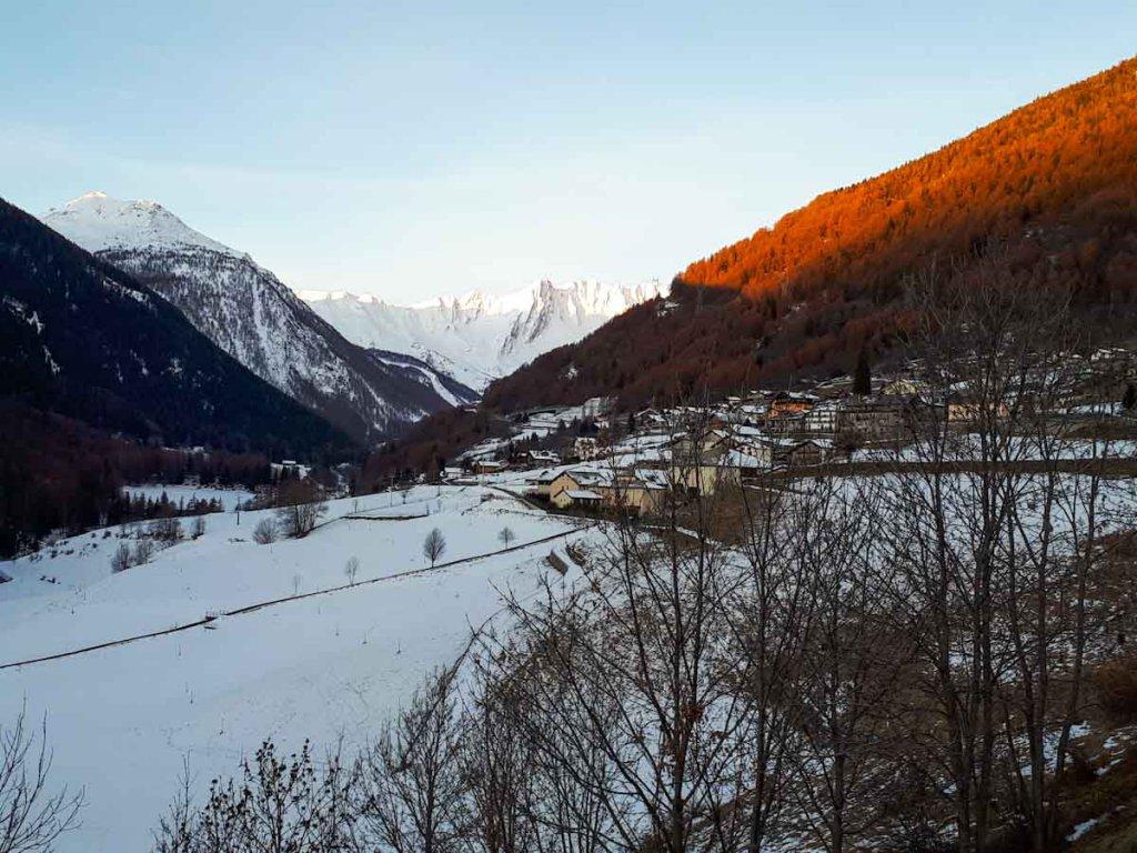 Sonnenaufgang im Aostatal in Italien