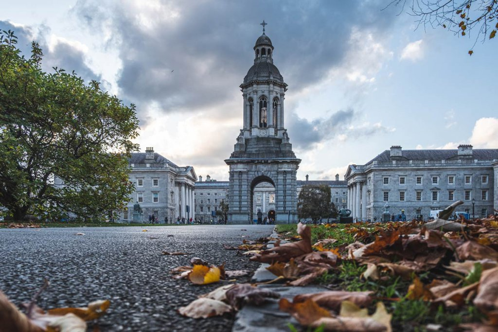 Irland Sehenswürdigkeit: Das Trinity College in Dublin