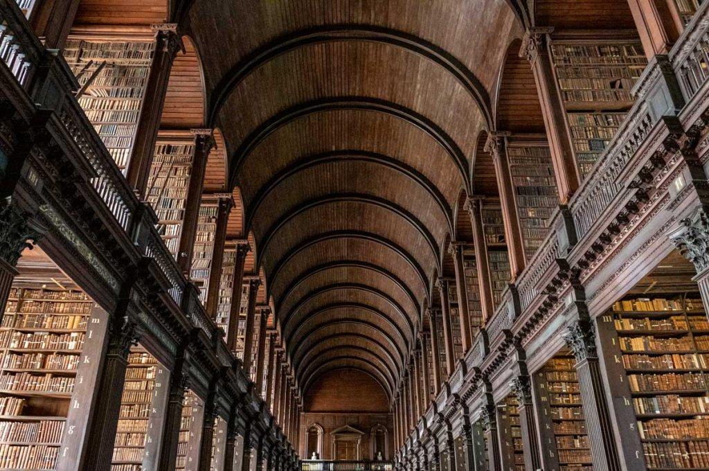 Beeindruckend: Die berühmte Bücherei des Trinity Colleges in Dublin