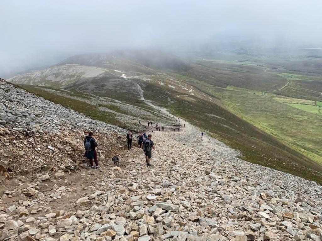 Pilgern zum heiligen Berg Croagh Patrick in Mayo