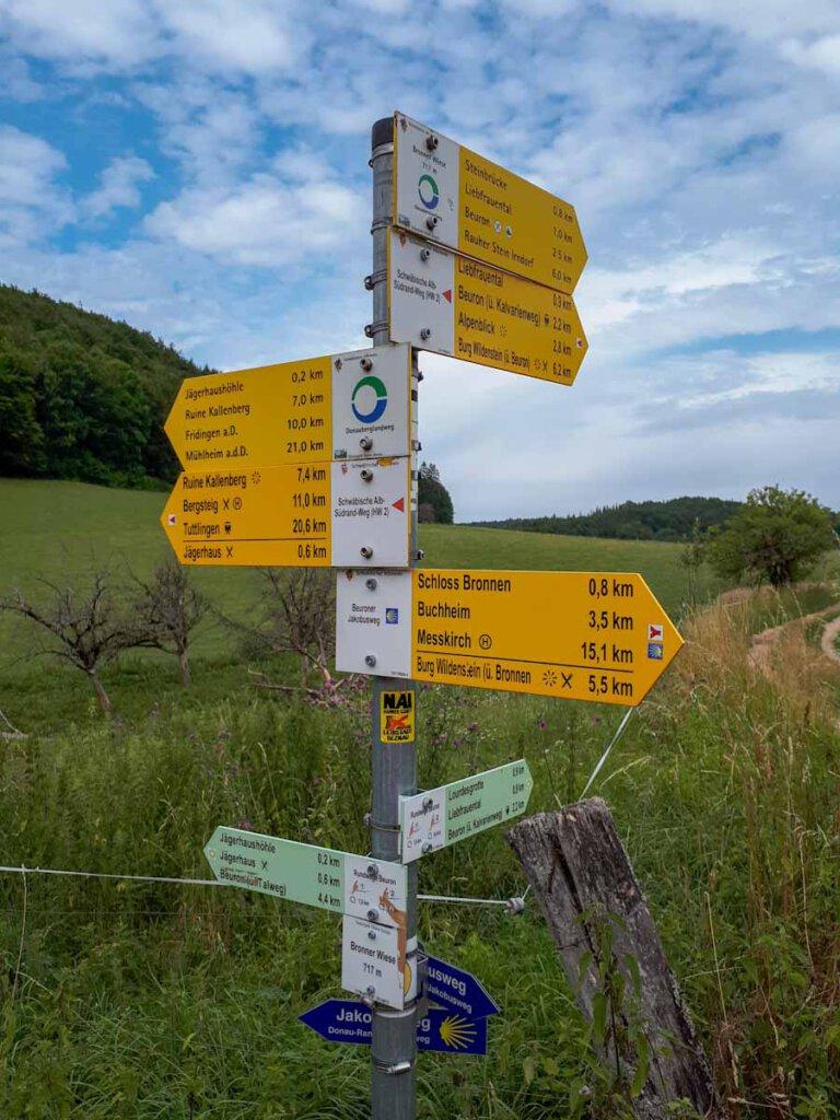 Schilderwald auf der Donautal Wanderung