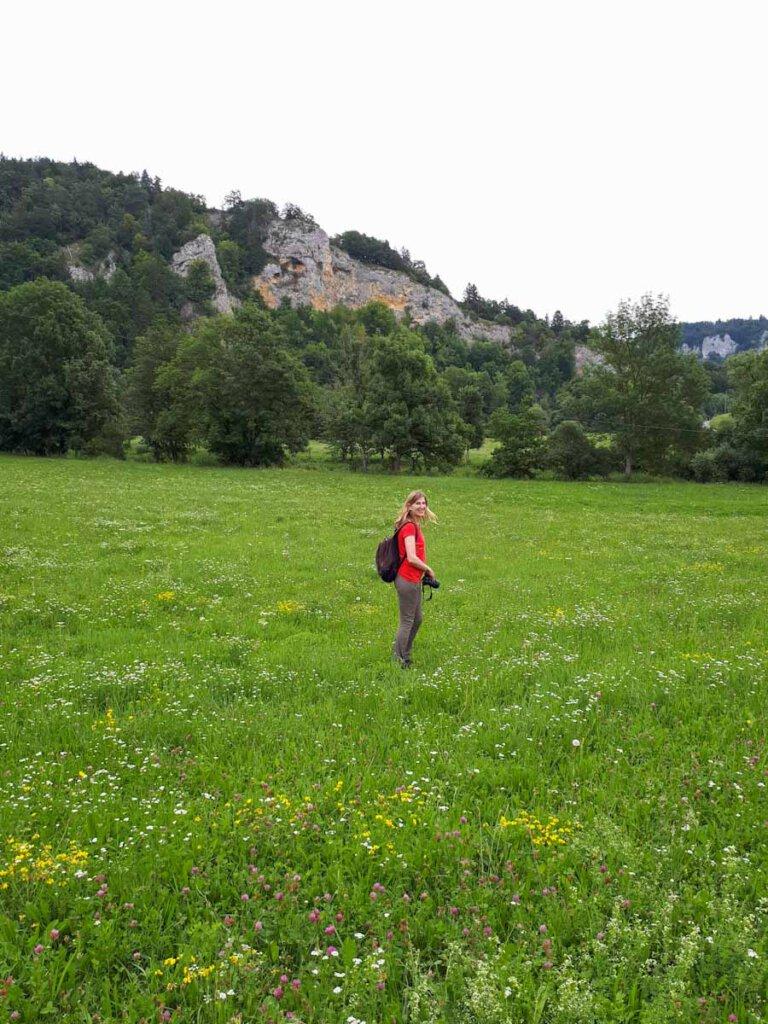 Wanderglück inmitten herrlicher Blumenwiesen im Donautal
