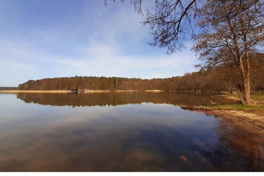 Der Stechlinsee im Naturpark Stechlin-Ruppiner Seenland