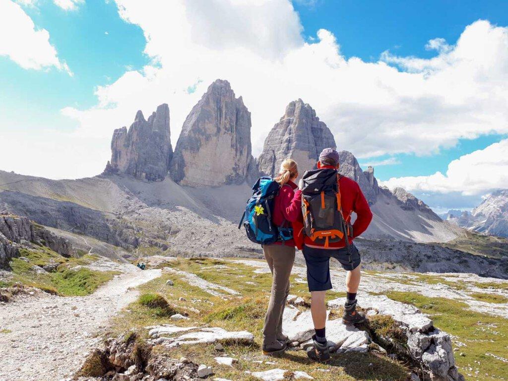 Unsere großen Tagesrucksäcke fürs Wandern im Hochgebirge (Drei Zinnen, Dolomiten)