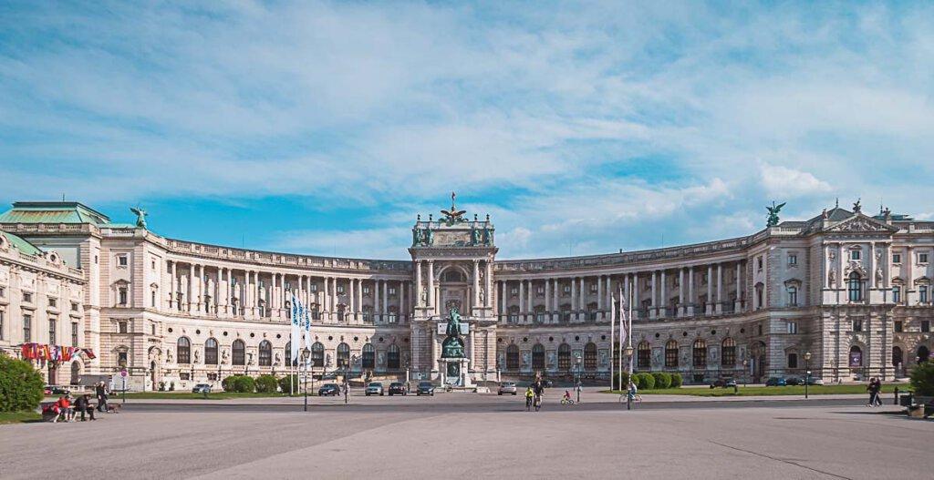 Beliebtes Reiseziel in Europa: Die Hofburg in Wien