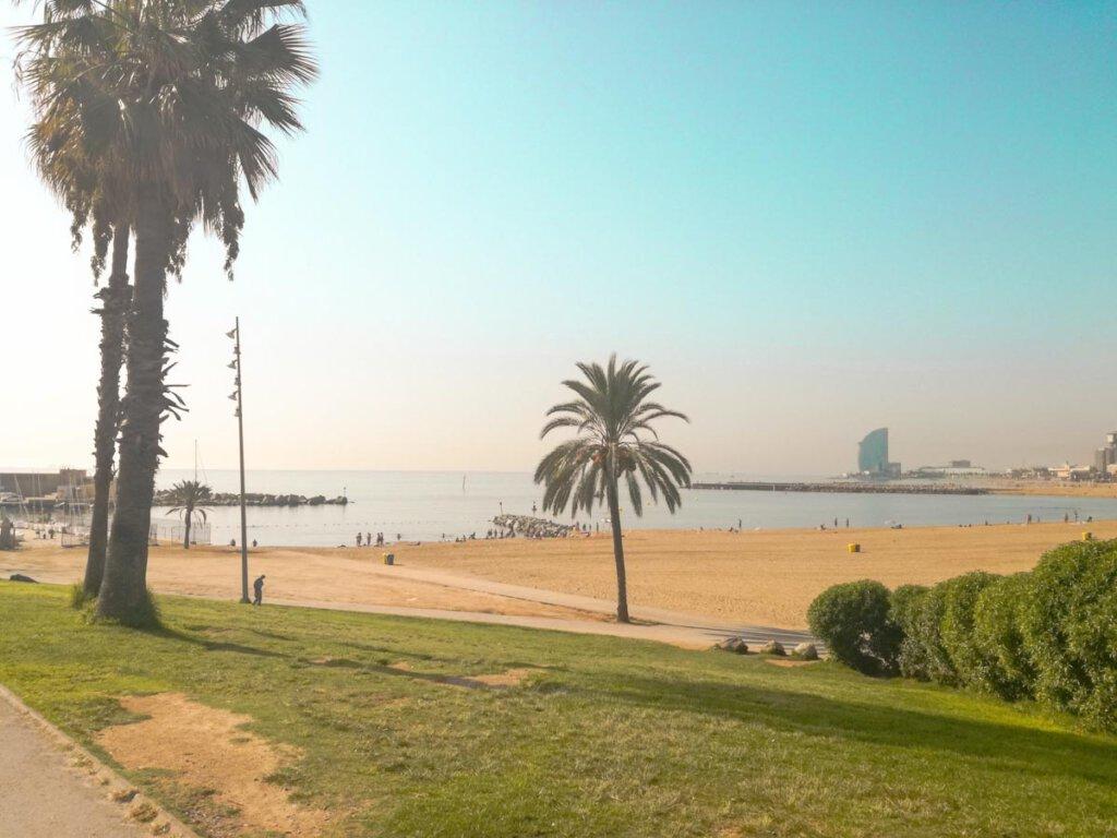 Schönste Reiseziele Europas: Der Strand Barceloneta in Barcelona