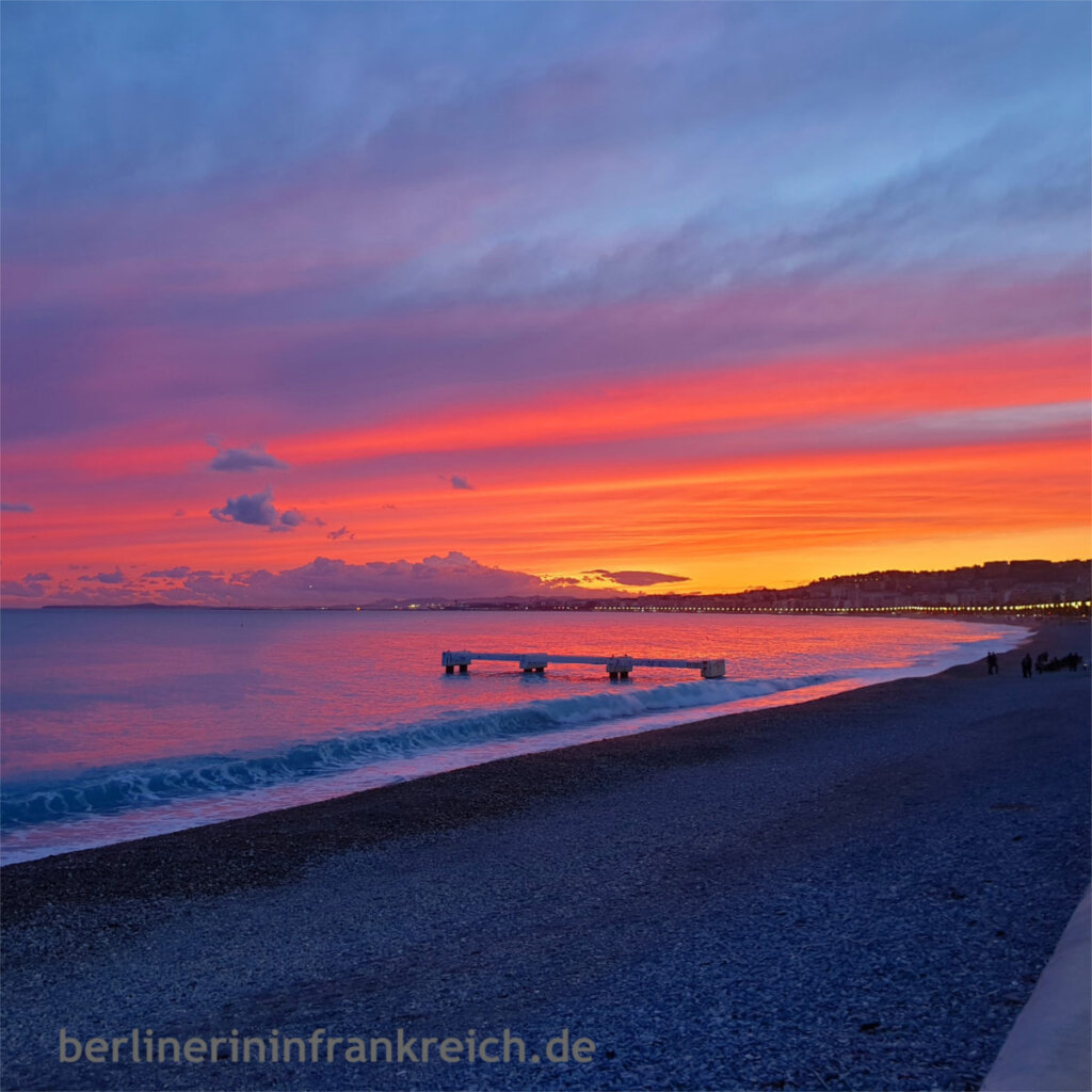 Reiseziele in Europa: Das Mittelmeer bei Nizza in Frankreich