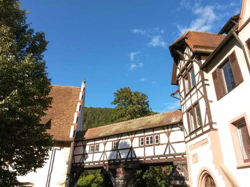 Kloster Blaubeuren am sagenumwobenen Blautopf