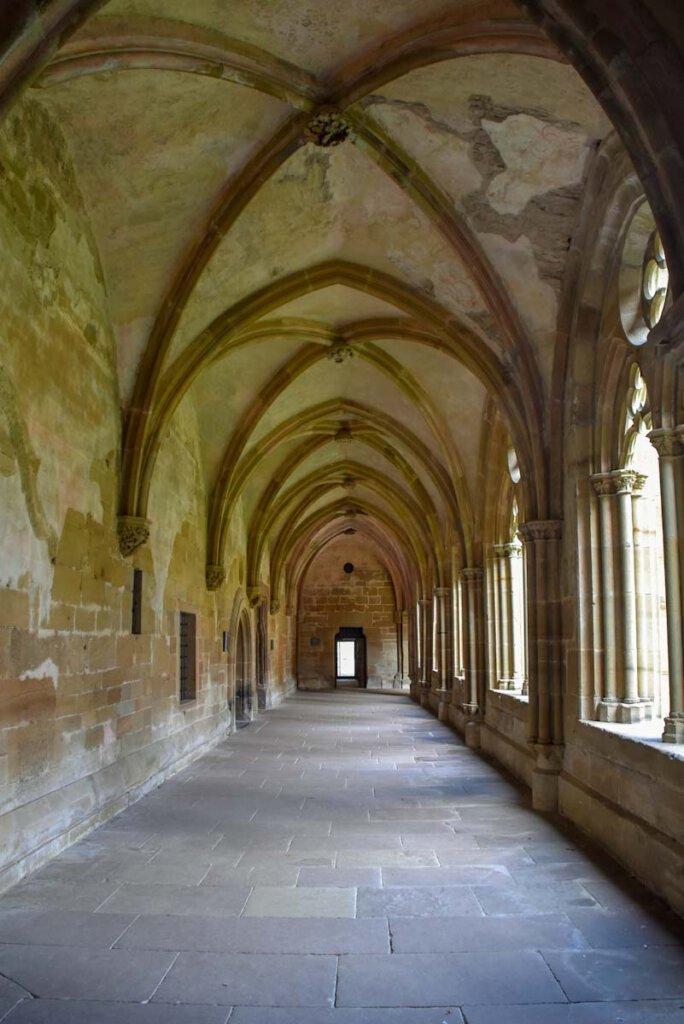 Im Kreuzgang von Kloster Maulbronn