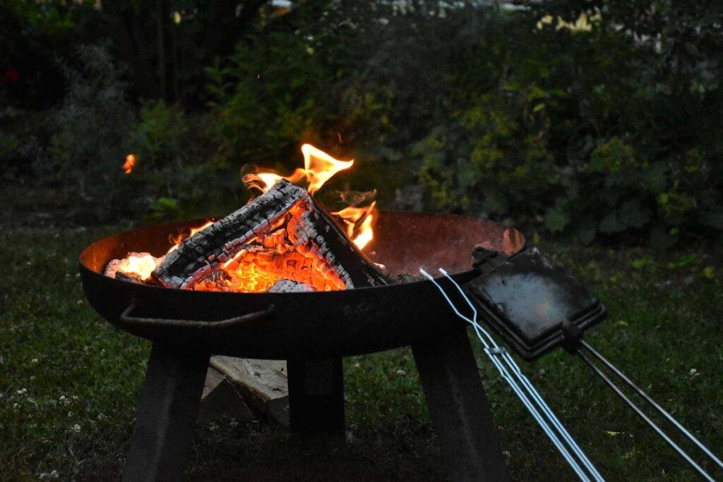 Unser Equipment für einen typisch amerikanischen Abend am Lagerfeuer