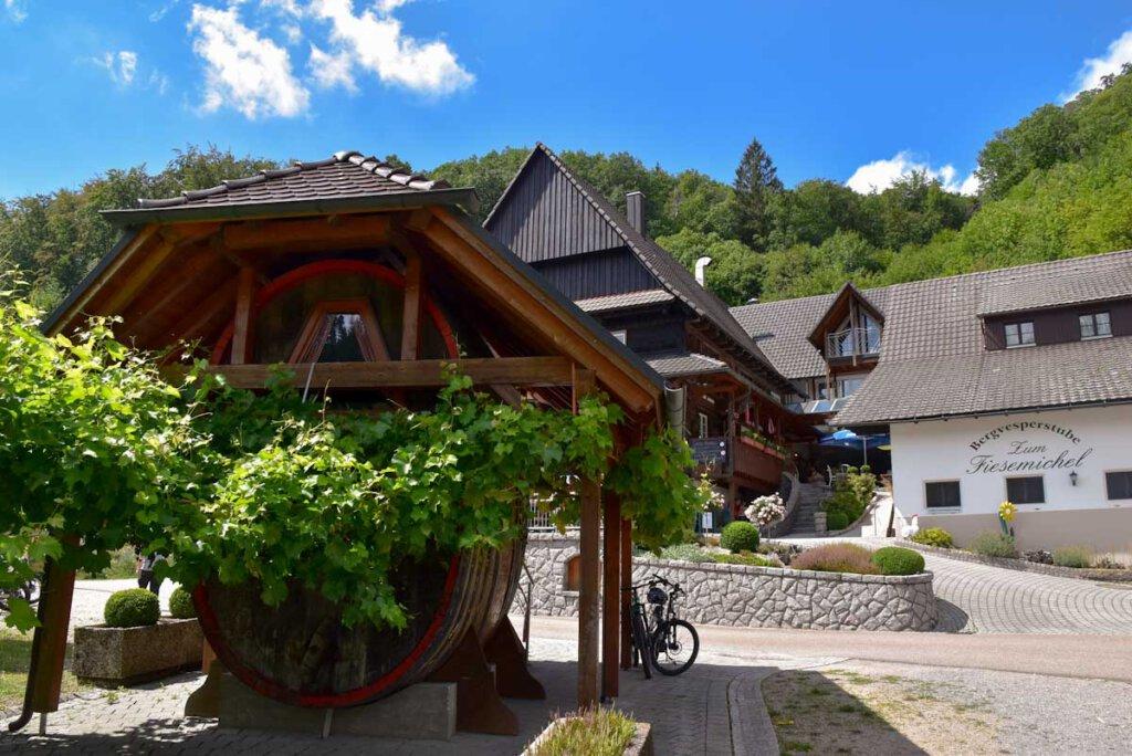 """Station 3 der Lautenbacher Vesperwanderung: Bergvesperstube """"Zum Fiesemichel"""""""