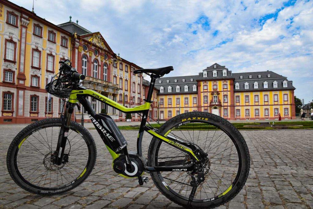 Highlight unserer E-Bike Tour auf dem Badischen Weinradweg: Schloss Bruchsal
