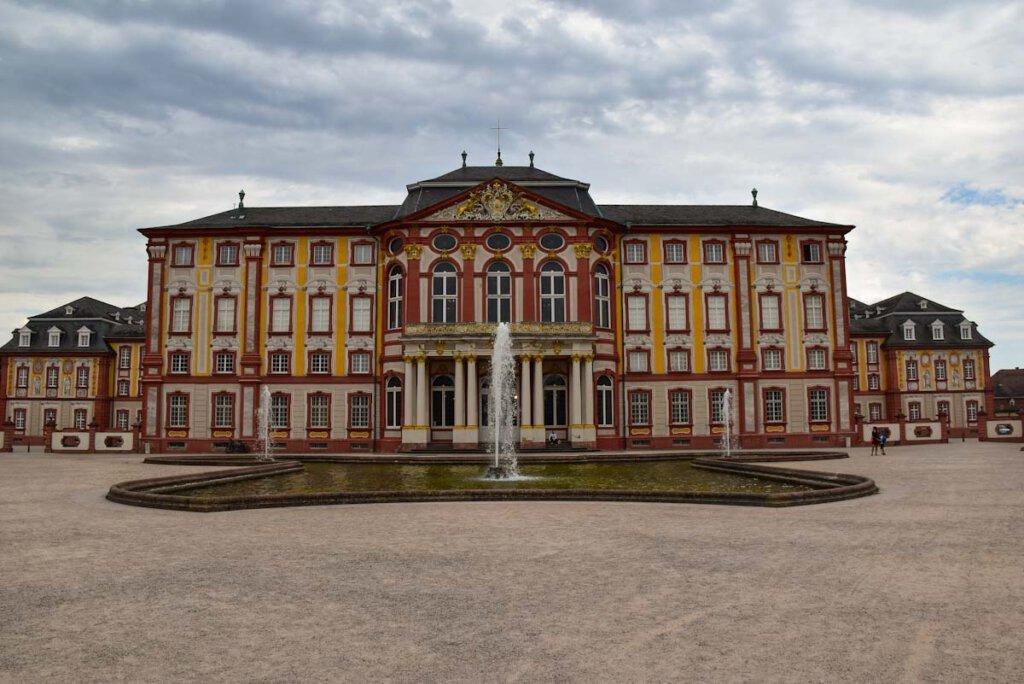 Highlight auf dem Badischen Weinradweg: Barockschloss Bruchsal