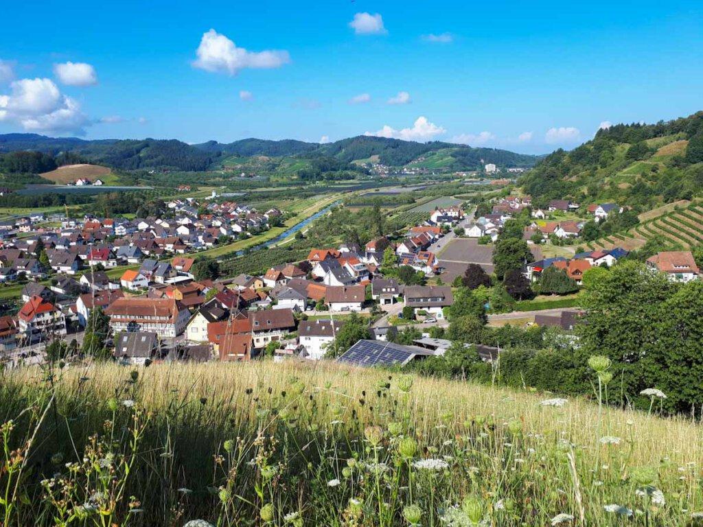Ausblicke auf Lautenbach und die Rench